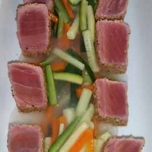 tataky de tonyina amb verduretes-apat-catering-vilafranca-vilanova-sant sadurni