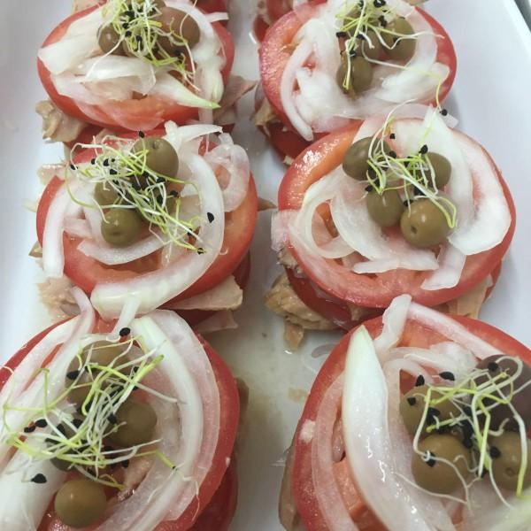 ventresca de tonyina amb tomàquet-apat-vilafranca-santsadurni-vilanova